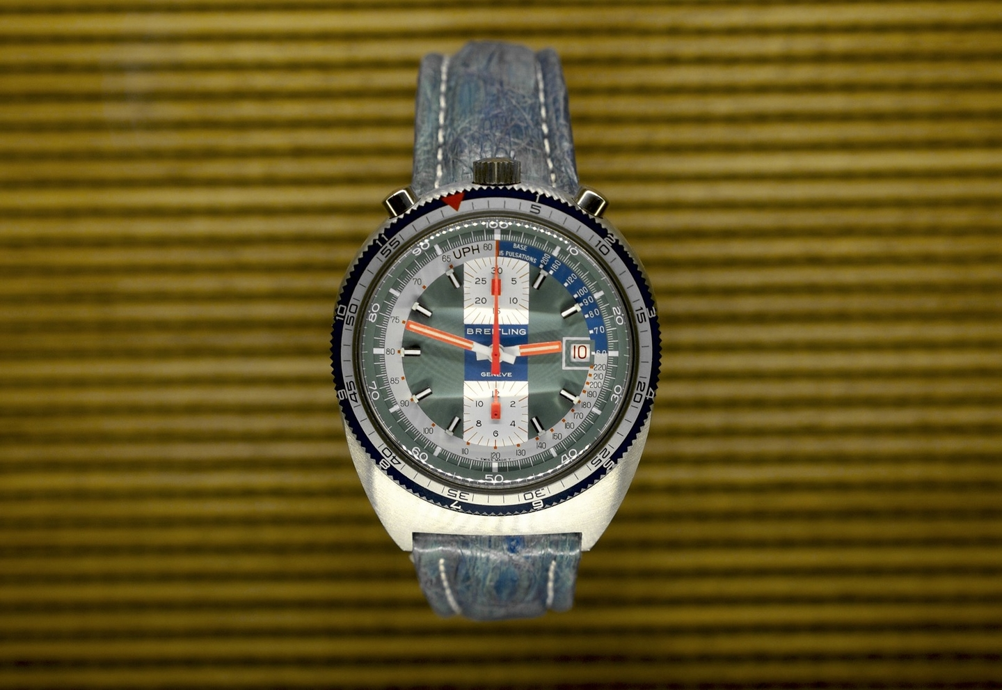 Breitling Pult 'Bullhead' from 1974 – Extract