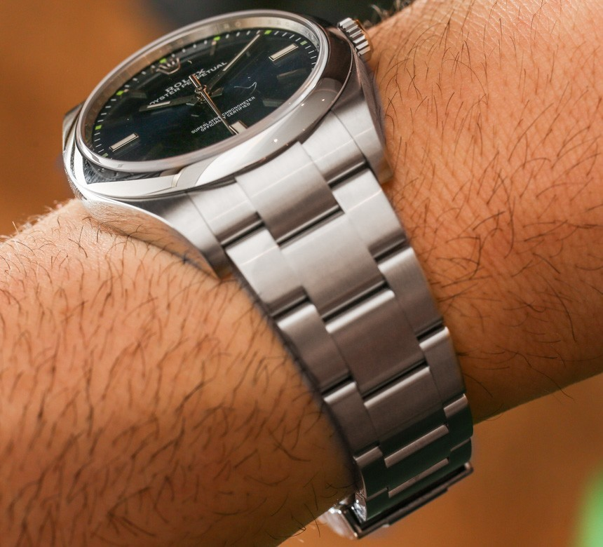 Rolex-Oyster-Perpetual-114300-ablogtowatch-2015-hands-on-2