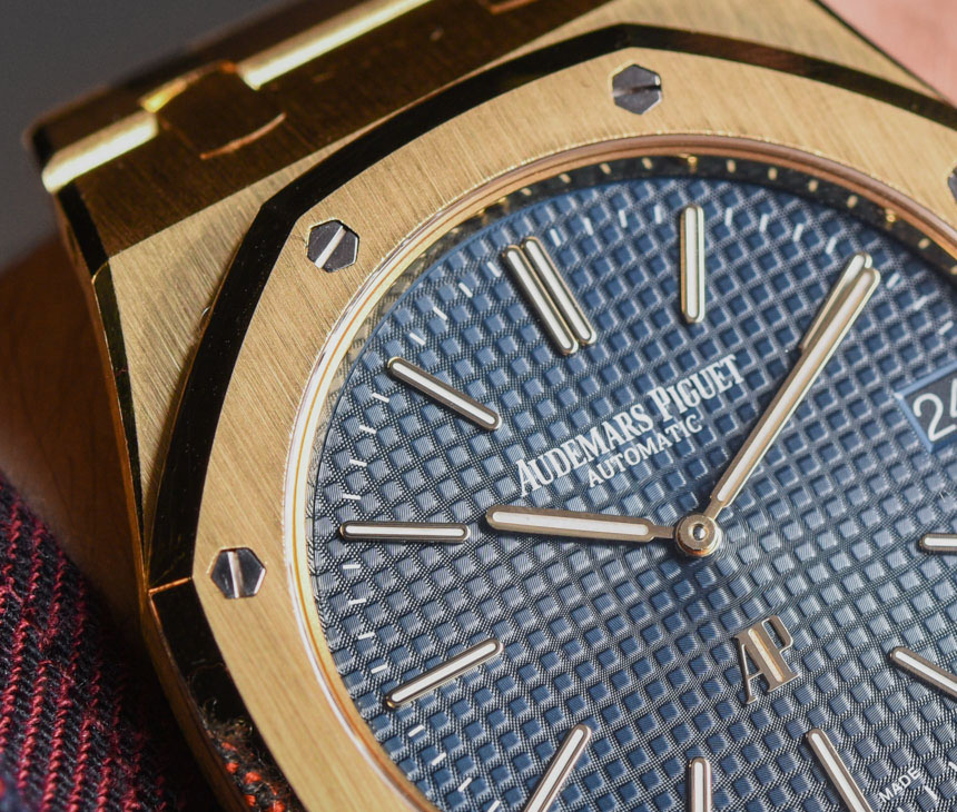 Audemars Piguet Extra-Thin Jumbo Royal Oak Ref. 15202 Gold Watch Hands-On Hands-On